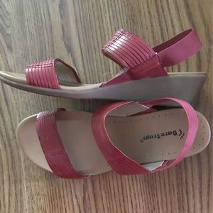Bare Traps Red Leather Sandals Size 9